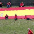 Vicente del Bosque şi copiii spanioli care cresc în spiritul şcolii de fotbal Furia Roja // Foto: Reuters
