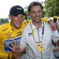 Lance Armstrong şi Johan  Bruyneel, la a şaptea victorie consecutivă în Turul Franţei (foto: bicycle.net)