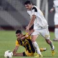 Viorel Dinu (alb) a marcat ieri al patrulea său gol consecutiv.