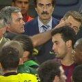 Momentul în care Mourinho l-a lovit în ochi pe Vilanova