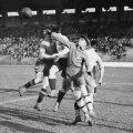 Imagine spectaculoasă de la un meci jucat în 1932 pe Stade Olympique de Colombes, faimoasa arenă de lîngă Paris care găzduise Olimpiada în 1924 FOTO: Guliver/GettyImages