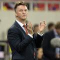 Van Gaal răsuflă uşurat: a cîştigat şi meciul cu România.