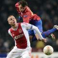 Vlad Chiricheş a greşit decisiv la primul gol al lui Ajax.