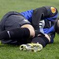 Diego Milito țipă după ce și-a rupt genunchiul. Ghinionul lui a fost norocul lui Inter, Palacio intrînd și marcînd ambele goluri // Foto: Gulliver/GettyImages