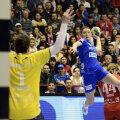 Iulia Managarova a fost din nou între cele mai bune marcatoare ale Oltchimului de aseară, cu 5 goluri // Foto: Alex Nicodim