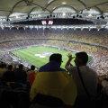 Pe lîngă prețul biletelor și un procent de 7% taxe online, fanii vor achita și 10 RON taxa de curierat, pe care o pot însă elimina dacă vor alege să ridice tichetele de la un ghișeu special deschis la stadion.