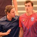După ce l-a pierdut pe golgeterul Rusescu, Steaua e pe cale să se despartă și de antrenorul Reghecampf, și de cel mai bun jucător, Chiricheș