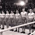 Vasile Tiţă, al patrulea de la dreapta la stînga în această imagine istorică, imortalizată în 1952, la Moscova, cu ocazia unui turneu între ţările socialiste // Foto: Arhivă personală