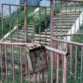 Căile de acces sînt ruginite, iarba a crescut peste tot // Foto: ghidsportiv.ro