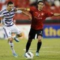 Mirel (stînga) a ajuns în al treilea sezon la Al-Ain, pentru care a dat 2 goluri în campionat