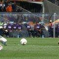 O fază decisivă la finala din 2010: Casillas blochează şutul lui Robben (dreapta) // Foto: Reuters