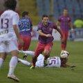 Adus de la Sampdoria, Piovaccari a confirmat cu vîrf și îndesat, mai ales că e împrumutat gratis de la italieni, iar steliștii îi achită numai 210.000 de euro din salariul stagional de 700.000 euro