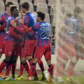 Varela i-a costat pe steliști un milion de euro, cîștigă 240.000 de euro pe sezon în Ghencea și are contract pînă în vara lui 2016