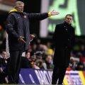 """Arsene Wenger, aici într-un meci contra """"dușmanului"""" Mourinho, n-a cîștigat nici un trofeu din 2005"""