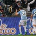 Ales jucătorul meciului cu Sassuolo, Radu deschide scorul în minutul 36 și face o dedicație sărutînd camera TV