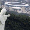 """Estadio do Maracana, cunoscut şi ca """"Mario Filho"""" (renumit jurnalist sportiv şi scriitor brazilian), alături de Cristo Redentor: două embleme ale oraşului Rio // Foto: Reuters"""