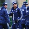 Dan Petrescu, 46 de ani, ar urma să fie înlocuit de Dmitri Hohlov, antrenor la echipa de rezerve a clubului