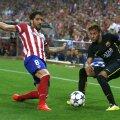 Neymar, dreapta, în duel cu Raul Garcia, foto: reuters