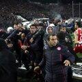 """Jucătorii lui Olympiakos fug de centrul tornadei """"Tumba"""""""