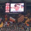 """""""Ciao, Tito"""" a fost mesajul Romei, apărut vineri seară pe tabela de pe Olimpico, înaintea meciului cu Milan // Foto: IntactImages/EPA"""