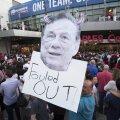 Chipul lui Sterling, patronul lui Clippers, a fost folosit în mesaje de dezaprobare de protestatari, foto: reuters