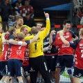 Handbaliştii de la Flensurg celebrează victoria senzaţională în faţa Barcei // Foto: MediafaxFoto
