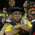 Expresii amestecate. Tristeţe, tentativă de consolare şi fericire extremă în tribuna stadionului de la Belo Horizonte