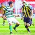 """Ponde (în tricoul în dungi al lui Sporting) a jucat 29 de meciuri la """"naţionalele"""" lusitane U17, U18 şi U19"""
