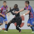 Pe parcursul întregului meci, Fatai a făcut ce-a vrut cu Toșca // Foto: Alex Nicodim (Giurgiu)