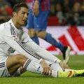 Ronaldo n-a fost în apele lui nici la 1-2 cu Valencia, pe 4 ianuarie. Atunci l-a certat pe Bale fiindcă nu i-a pasat // Foto: Reuters