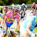 Alberto Contador are mai mulți coechipieri în spatele său, decît care să-i țină trena (foto: reuters)
