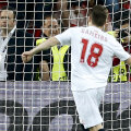 Francezul Gameiro, vîrful Sevillei, transformă penaltyul decisiv la ultima finală EL: 4-2 la 11 metri cu Benfica (0-0 în 120 de minute) // Foto: Reuters