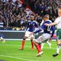 Hențul lui Henry în faza care a dus la golul lui Gallas, de 1-1. Eliminați, irlandezii au cerut rejucarea barajului sau un loc din oficiu la CM 2010