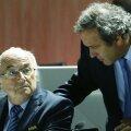 Blatter și Platini discută în timpul Congresului FIFA din mai