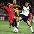 În 1999, Sabin Ilie (stînga) a marcat unul dintre golurile victoriei cu WHU, de la București