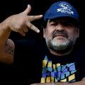 Lui Maradona i-a cășunat și pe Platini (în medalion)