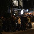 Şirul celor care aşteptau să intre la expoziţie înainte de ora 7 // Foto: Cristi Preda