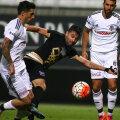 Rusescu (în negru) are o medie de 36,6 minute pe meci la Osmanlispor în campionat