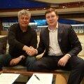 Mircea Lucescu, semnând pe iaht contractul cu directorul executiv Maxim Mitrofanov, începe munca la Zenit pe 1 iunie