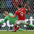 Robson-Kanu l-a pus cu spatele la zid și pe Courtois, deschizând drumul calificării galeze // FOTO Reuters