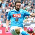 Higuain, 28 de ani, câștigă anual 5,5 milioane euro la Napoli. La Juve, ar putea fi cel mai bine plătit din Serie A