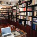 BUCUREȘTI. Biblioteca lui Nae Mărășescu, ieri după-amiază // FOTO Ștefan Constantin