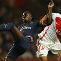 Kimpembe (stânga, în duel cu Sidibe) a avut o seară agitată la Monte Carlo // Foto AFP