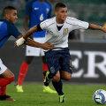 Secvență din meciul jucat la Bari: francezul Payet (stânga) îl trage de tricou pe Verratti // FOTO Guliver GettyImages