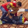 În timp ce Dragoș Grigore era la antrenamentul de dimineață, hoții își făceau de cap în camerele fotbaliștilor // Foto FRF