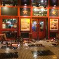 """""""Taberna El Papelon"""" arăta ca după un atentat terorist: cioburi, mese rupte și urme de sânge"""