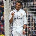 Atât mai lipsea ca să scap neprins! Asta pare să spună Cristiano Ronaldo // FOTO Guliver/GettyImages