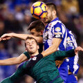 Florin Andone pune capul perfect la centrarea din lovitură de colț și face 1-0 z La Voz de Galicia