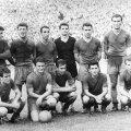 """Rapid în 1964: C. Lupescu, Motroc, Macri, Urziceanu, N. Georgescu, Coe (rândul de sus); Codreanu, Ionescu, Oblemenco, C. Dinu """"Buric"""", Kraus (rândul de jos)"""
