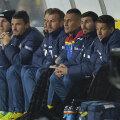 Budescu (al doilea din stânga), trist, pe bancă // FOTO Raed Krishan (Cluj)